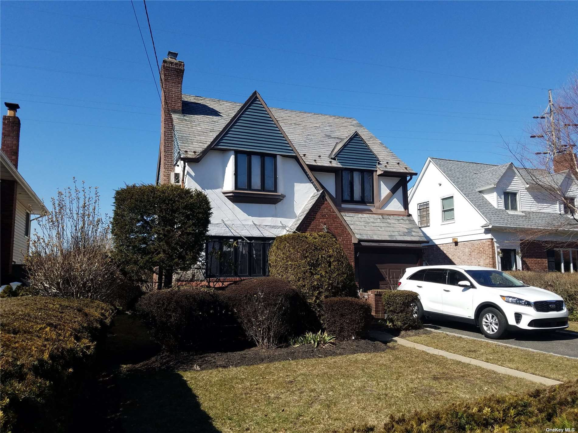 28 Piccadilly Downs, Lynbrook, NY 11563 - MLS#: 3294658