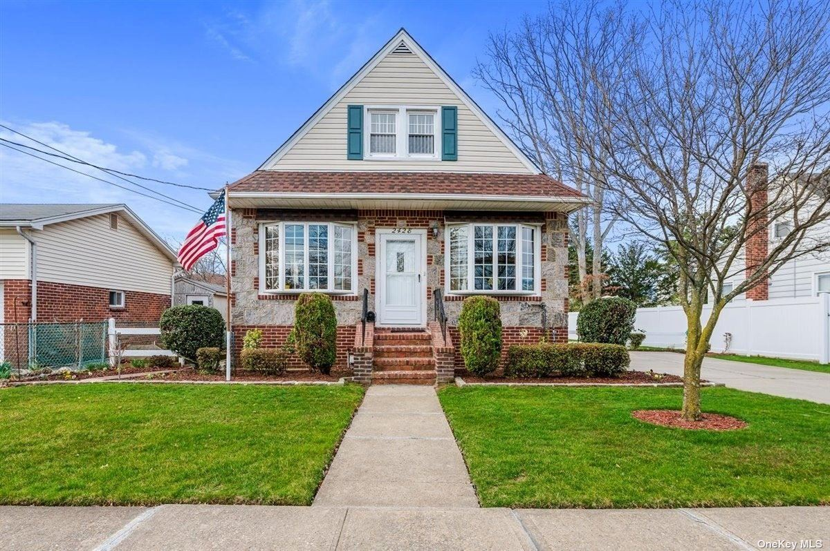 2428 Gladmore Street, East Meadow, NY 11554 - MLS#: 3301658