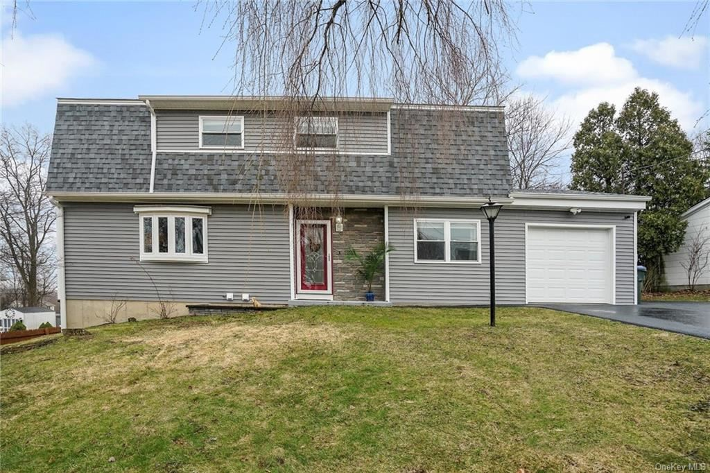 Photo of 37 Marcy Lane, Middletown, NY 10941 (MLS # H6104660)