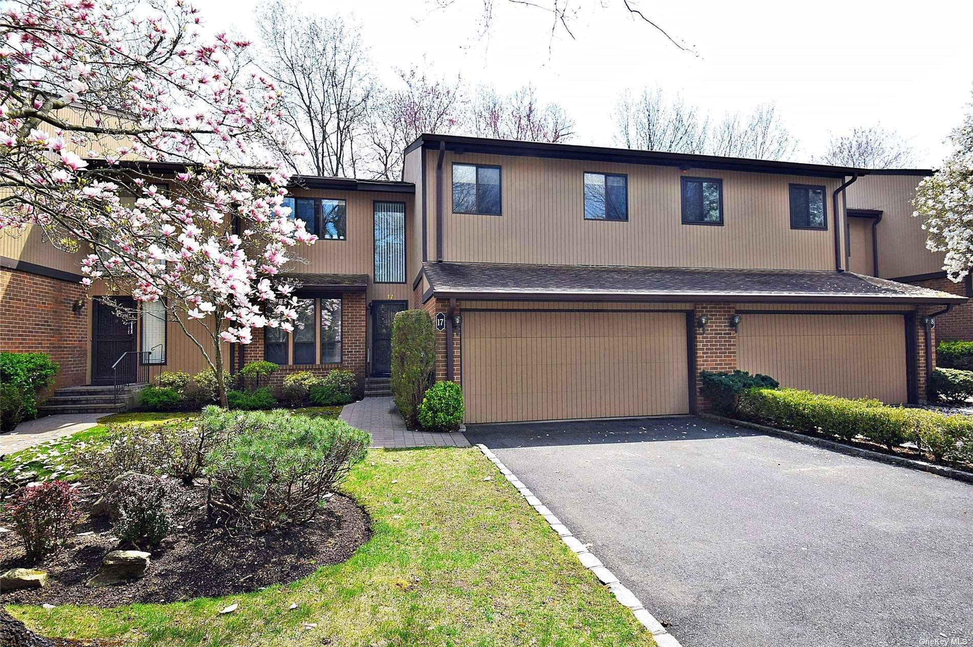 17 Wimbledon Drive, North Hills, NY 11576 - MLS#: 3303661