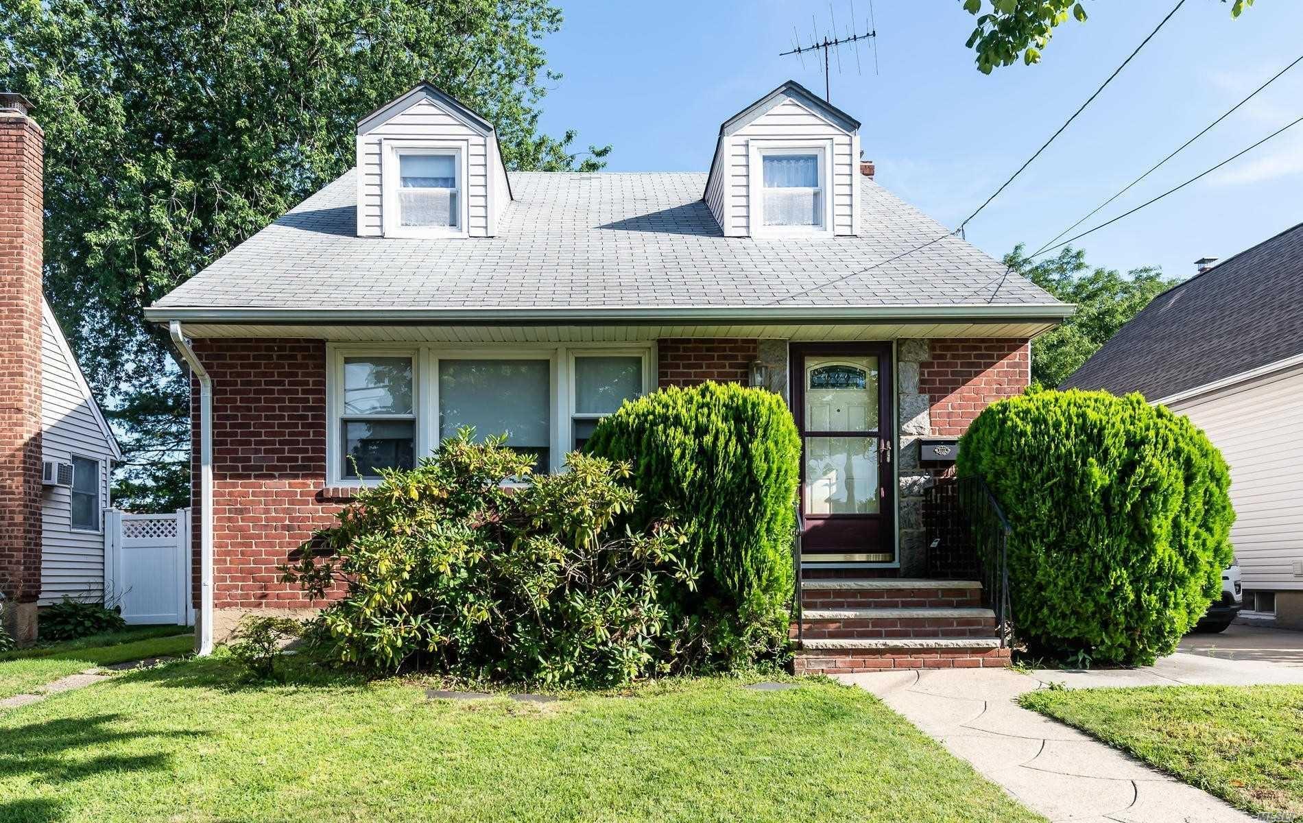50 Winnie Court, Westbury, NY 11590 - MLS#: 3237664