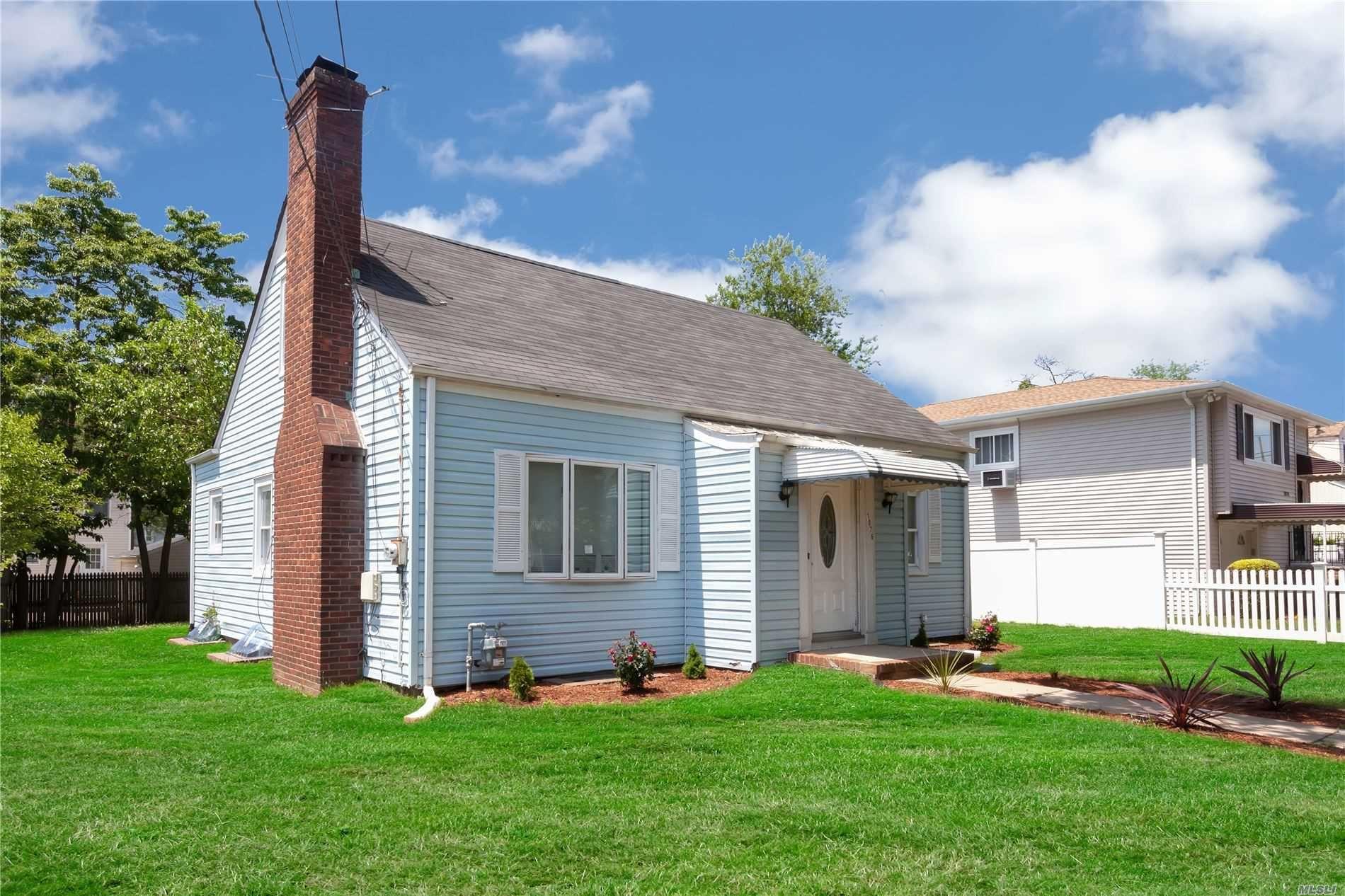 1076 Mahopac Rd, West Hempstead, NY 11552 - MLS#: 3216665