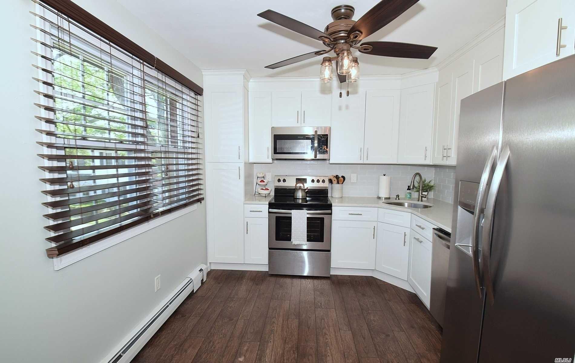 31 Springwood Drive, North Babylon, NY 11703 - MLS#: 3231665