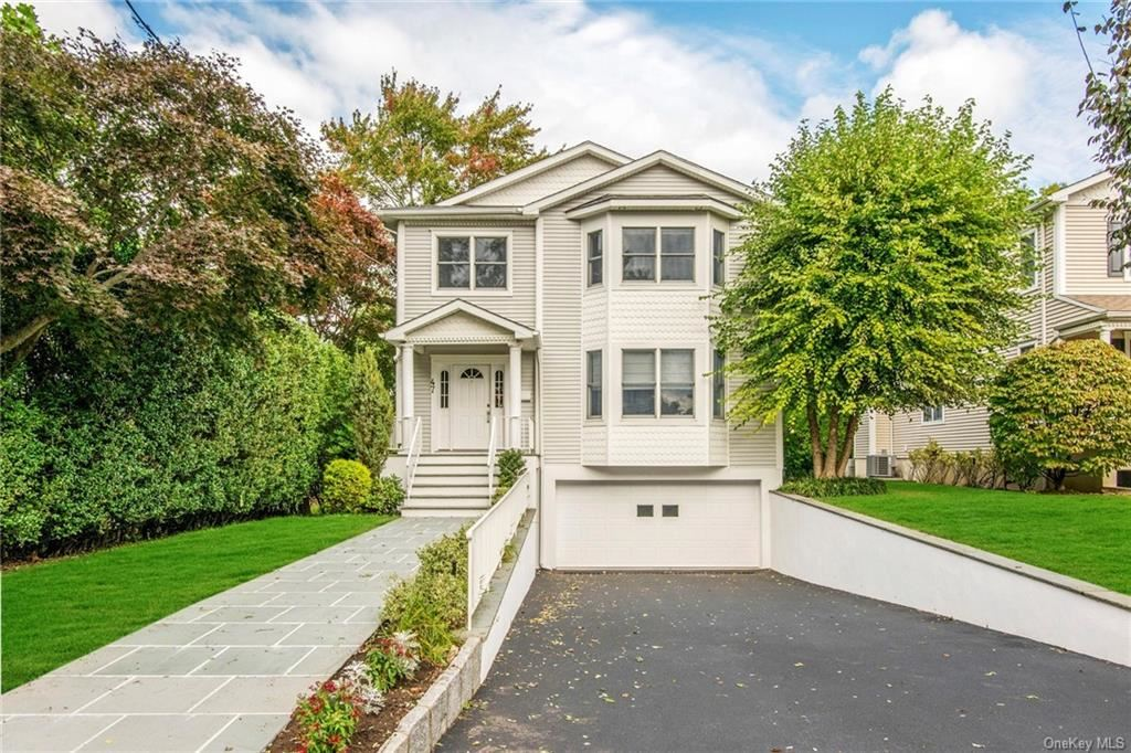 Photo of 47 Overlook Avenue, Eastchester, NY 10709 (MLS # H6110665)