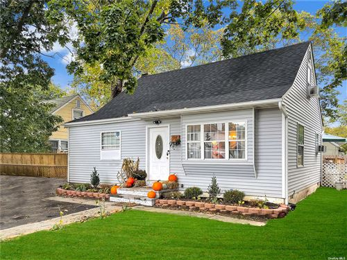Photo of 34 Pinewood Drive, Shirley, NY 11967 (MLS # 3355666)
