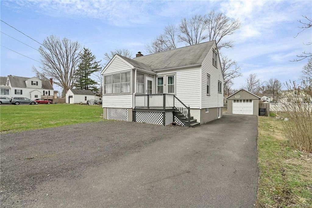 Photo of 28 Ridgewood Avenue, Middletown, NY 10940 (MLS # H6106667)