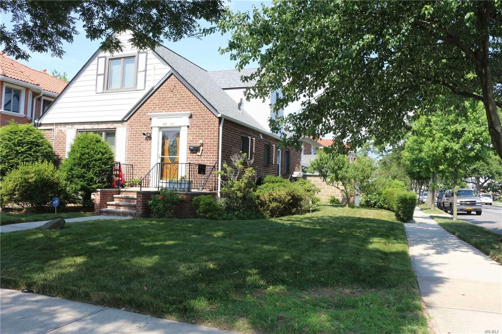 49-21 196th Place, Fresh Meadows, NY 11365 - MLS#: 3135673