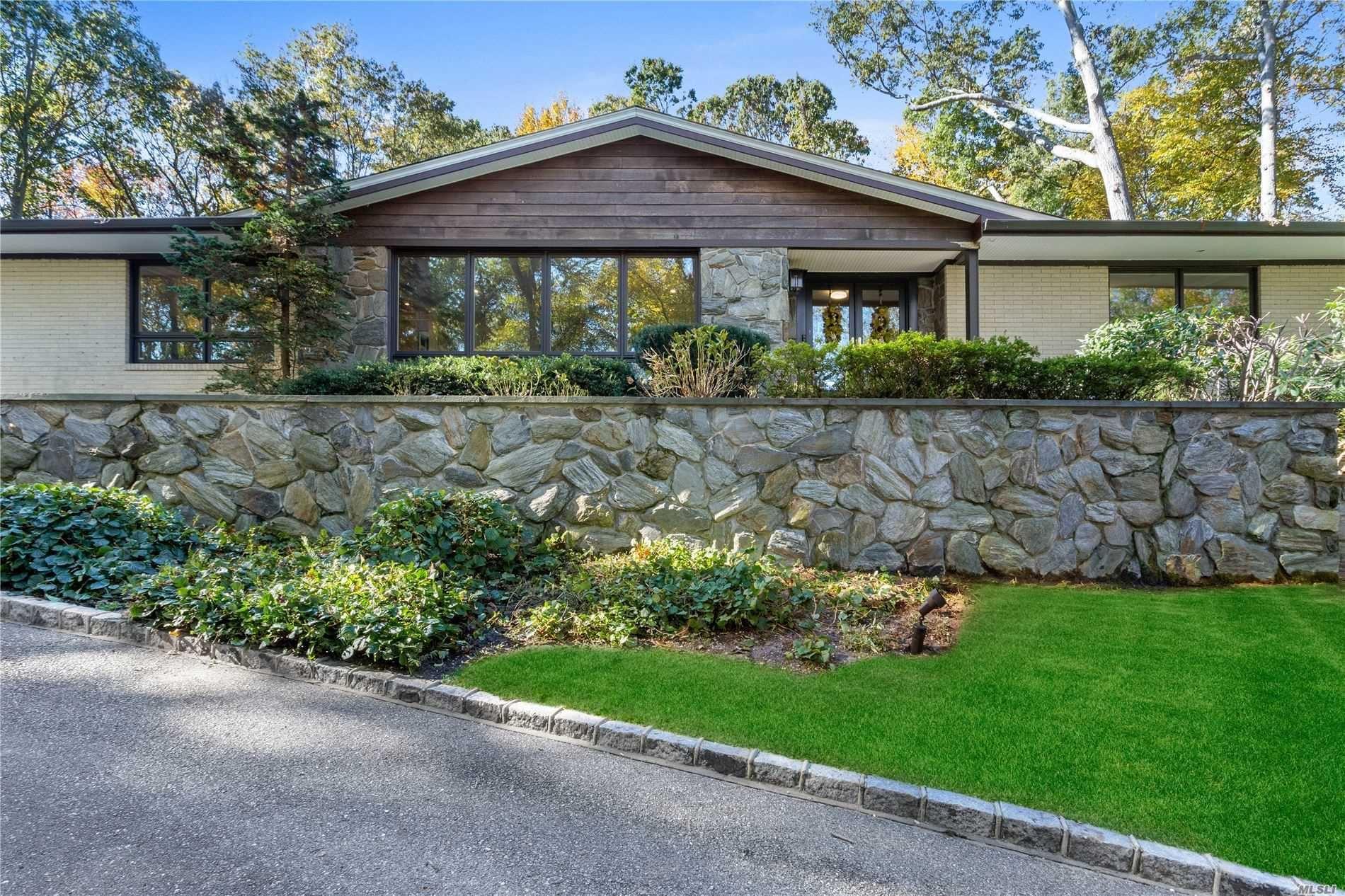 Photo of 339 Ridge Lane, Mill Neck, NY 11765 (MLS # 3191674)