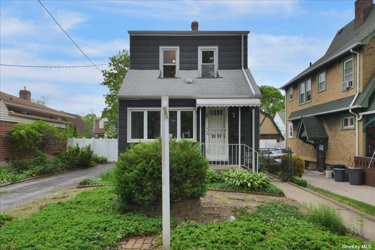 38-30 Clearview Expressway, Bayside, NY 11361 - MLS#: 3310675