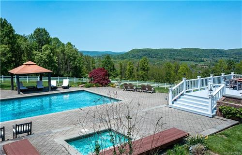 Photo of 41 S Quaker Hill Road, Pawling, NY 12564 (MLS # H6112677)
