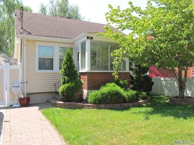 1331 Scimitar Avenue, Elmont, NY 11003 - MLS#: 3235677