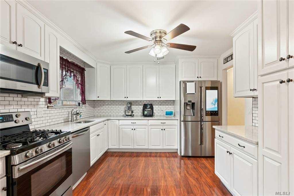 385 Revilo Ave, Shirley, NY 11967 - MLS#: 3281677