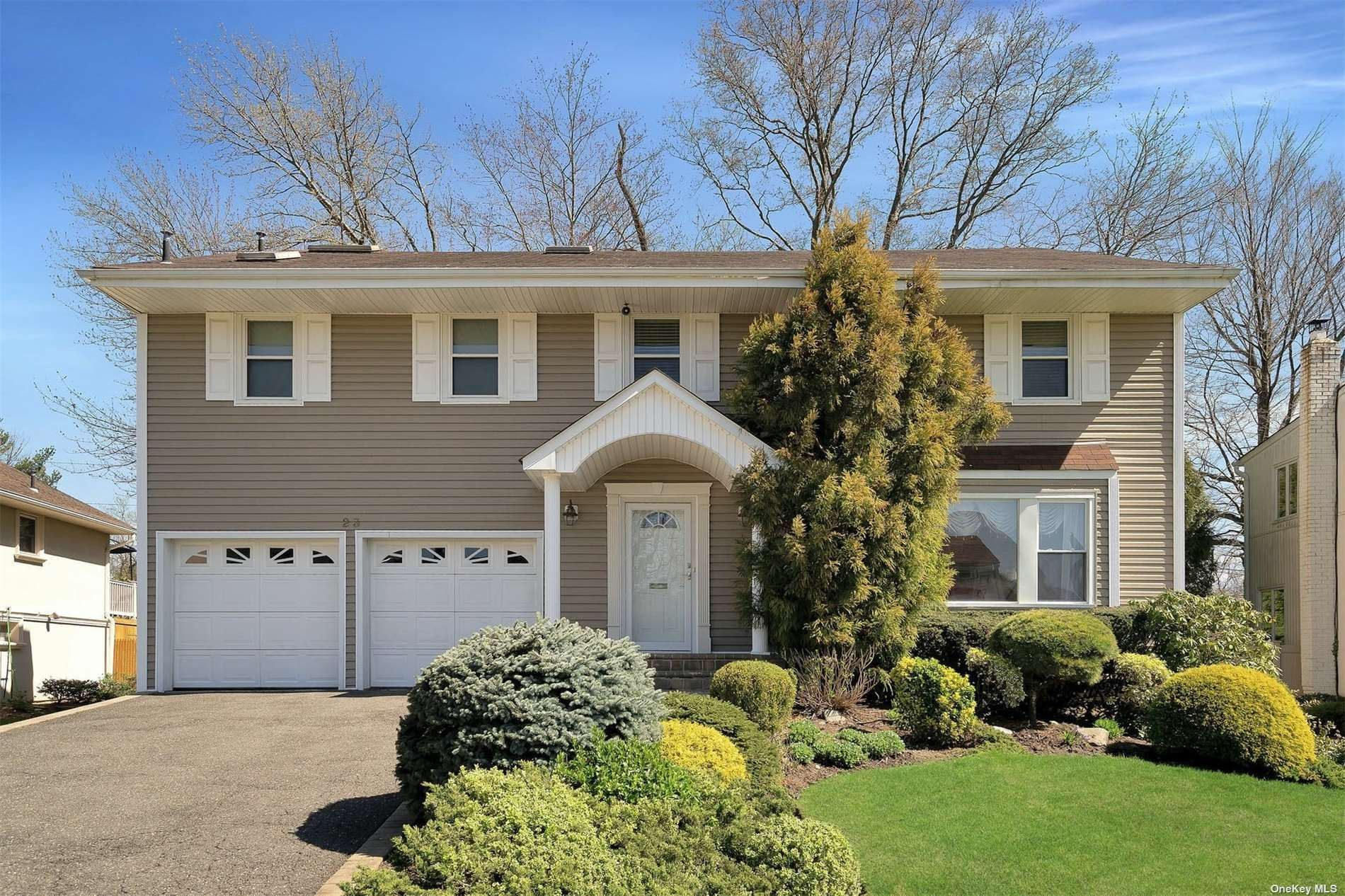 23 Carriage Road, Roslyn, NY 11576 - MLS#: 3303677