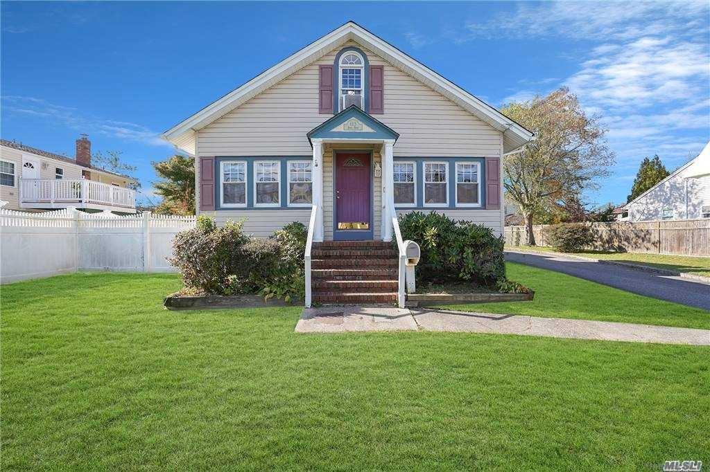 123 Lakeview Avenue, West Islip, NY 11795 - MLS#: 3263678