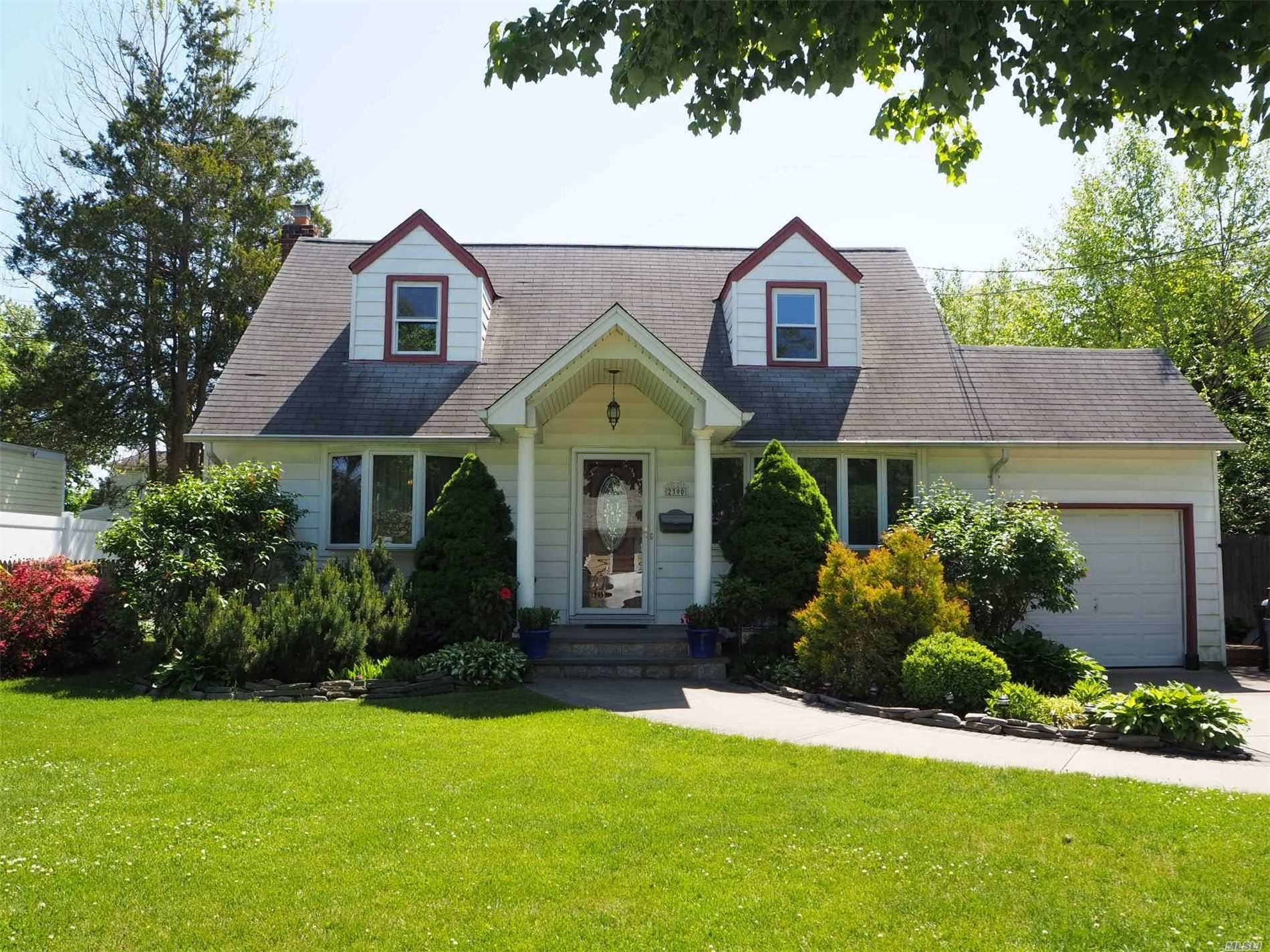2390 8th St, East Meadow, NY 11554 - MLS#: 3217680