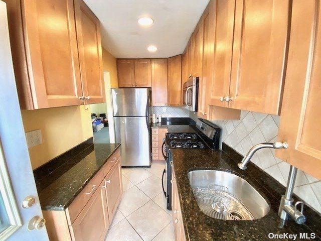 69-12 218 Street #Duplex, Bayside, NY 11364 - MLS#: 3297680