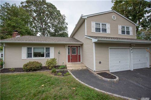 Photo of 11 Stratford Road, Miller Place, NY 11764 (MLS # 3259682)
