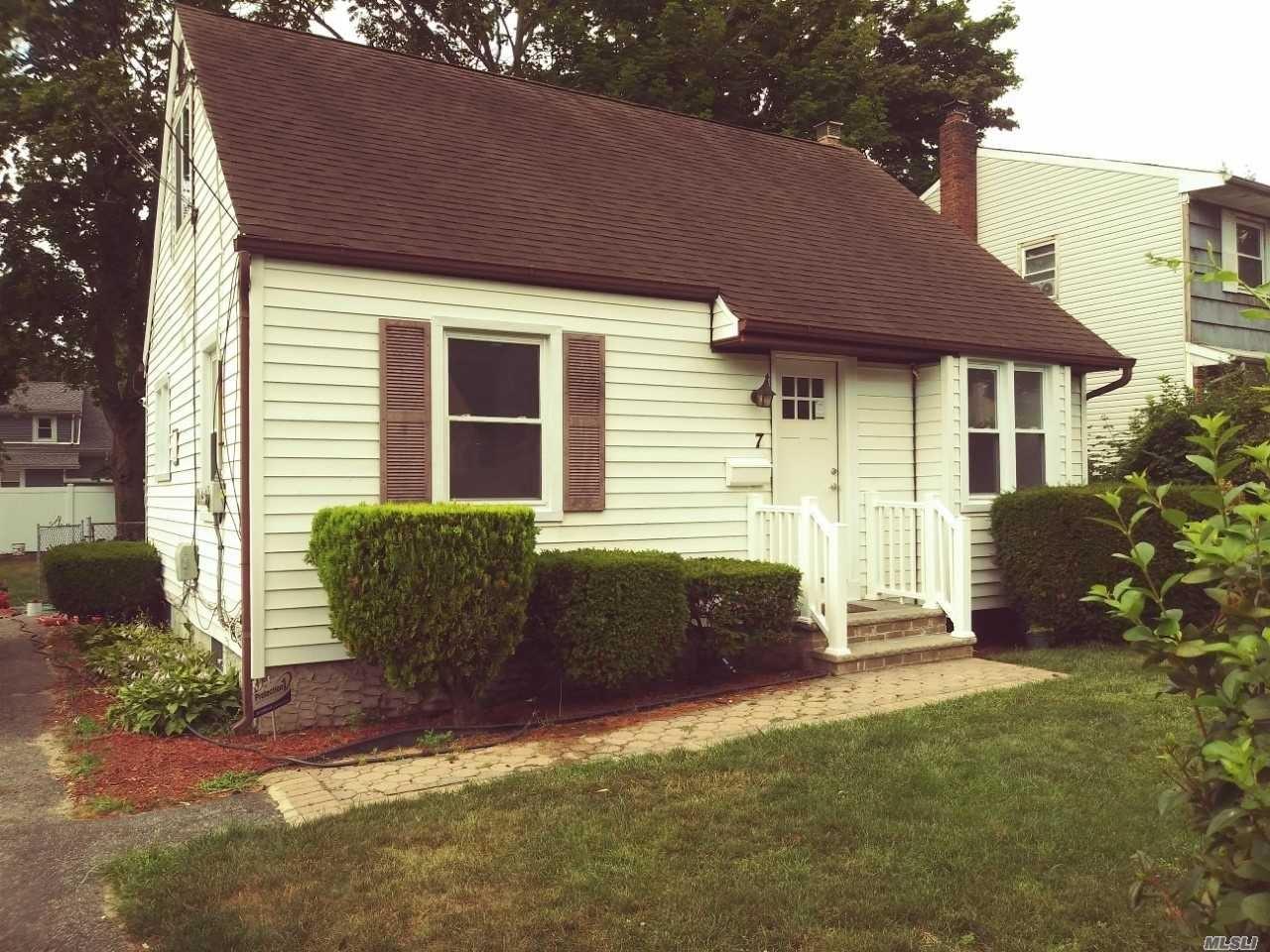 7 Coolidge Ave, Amityville, NY 11701 - MLS#: 3231682