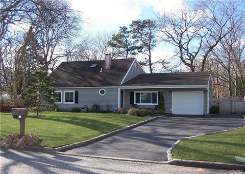 Photo of 12 Longleaf Lane, Medford, NY 11763 (MLS # 3279683)