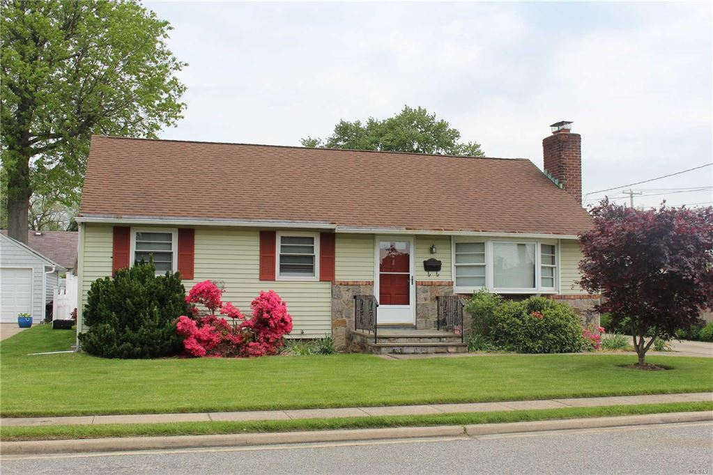 1 Oxford Place, Hicksville, NY 11801 - MLS#: 3131683