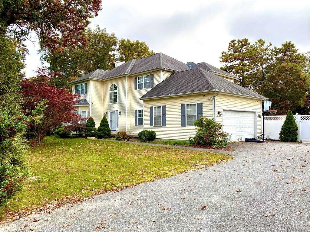 1048 Old Town Road, Coram, NY 11727 - MLS#: 3263683