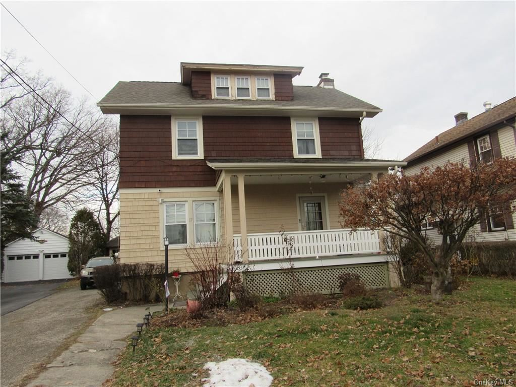 Photo of 17 Woodlawn Avenue, Middletown, NY 10940 (MLS # H6088686)