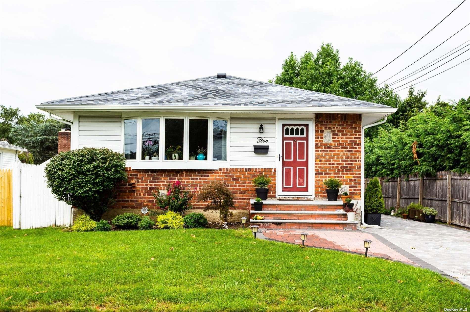 5 Irving Street, Hicksville, NY 11801 - MLS#: 3343687