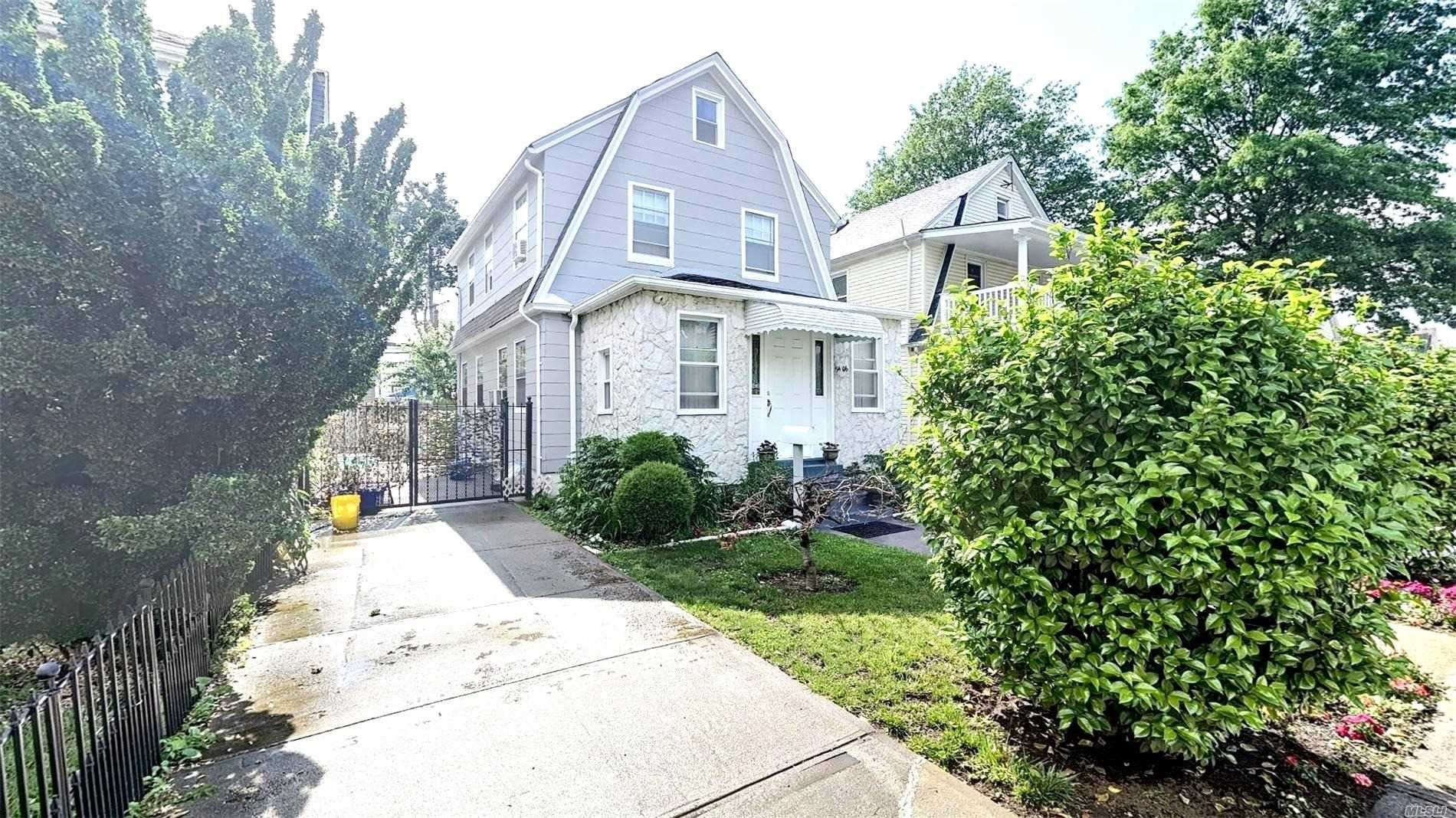 94-06 215th Street, Queens Village, NY 11428 - MLS#: 3202689