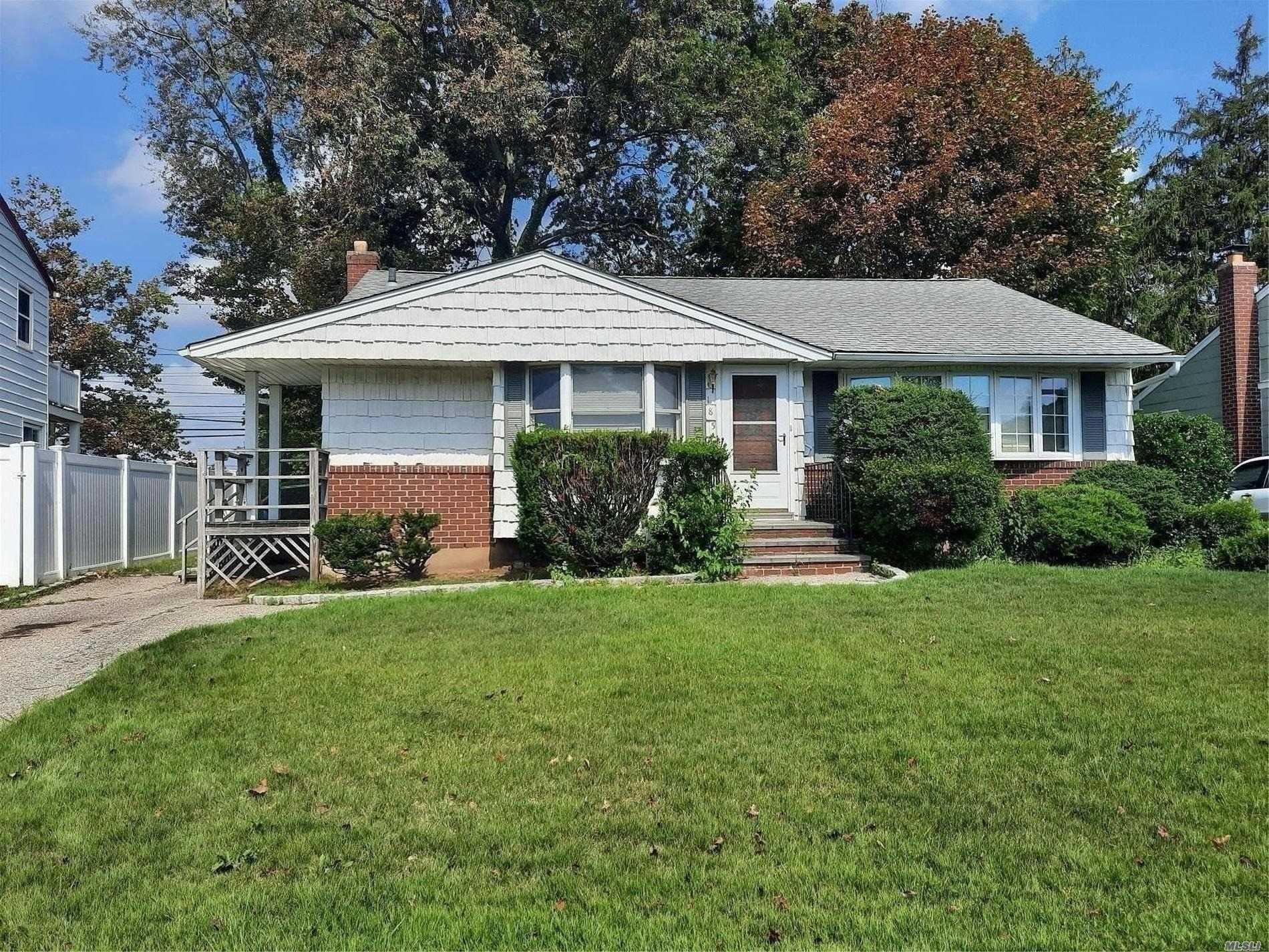 185 Dartmouth Drive, Hicksville, NY 11801 - MLS#: 3241689