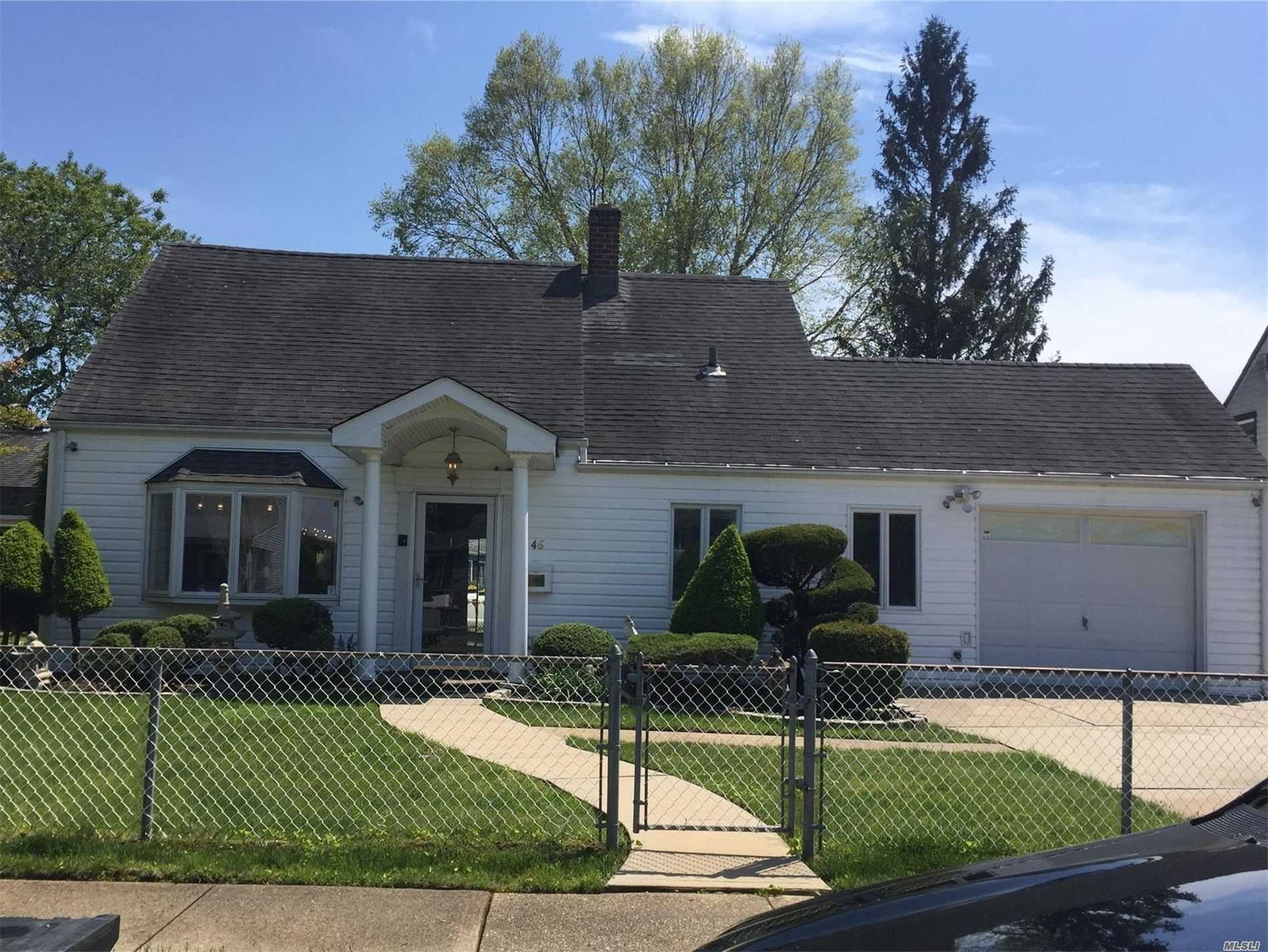 46 Cliff Ln, Levittown, NY 11756 - MLS#: 3215691