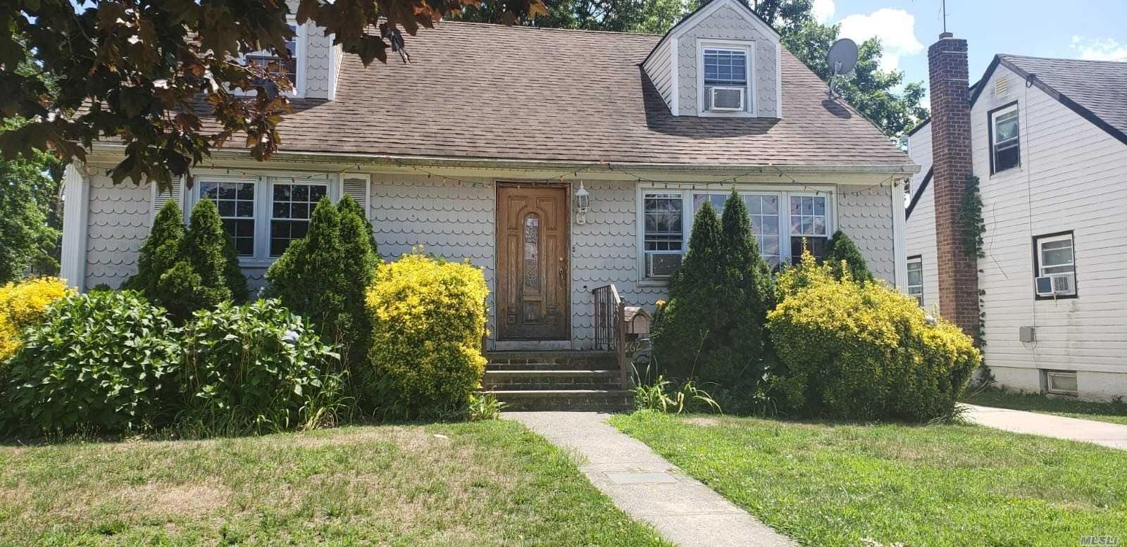 262 E Columbia St, Hempstead, NY 11550 - MLS#: 3232699