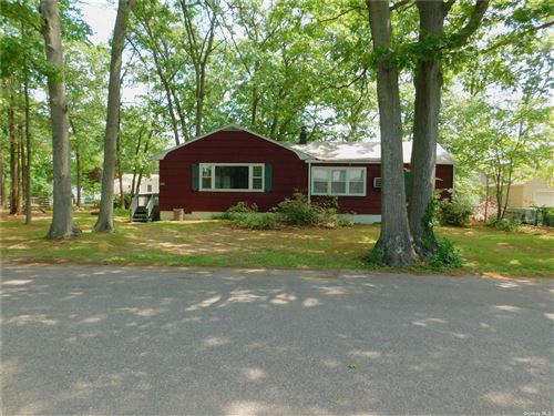 Photo of 35 Forest Avenue, Lake Grove, NY 11755 (MLS # 3316700)
