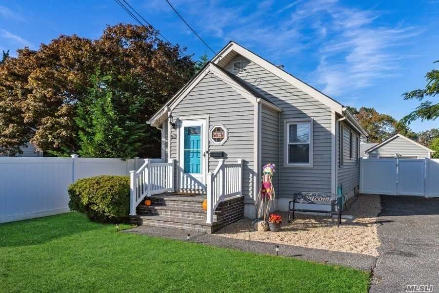 362 Arnold Avenue, West Babylon, NY 11704 - MLS#: 3262700