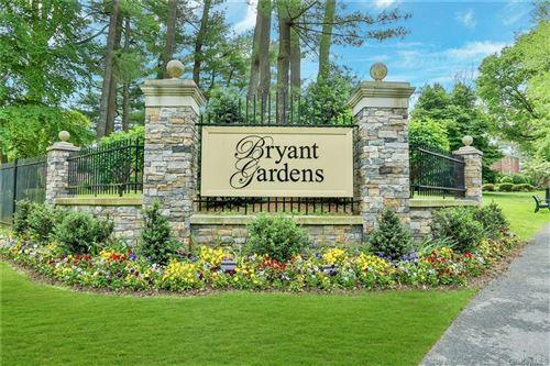 Photo of 5 Bryant Crescent #1G, White Plains, NY 10605 (MLS # H6042704)