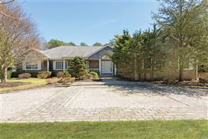 Photo of 4 Old Fields Ln, Quogue, NY 11959 (MLS # 3119707)