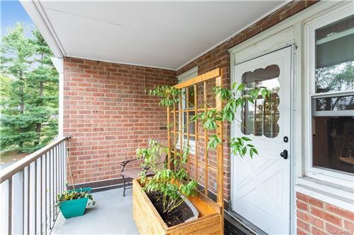 Photo of 124 Lawn Terrace #1A, Mamaroneck, NY 10543 (MLS # H6086707)