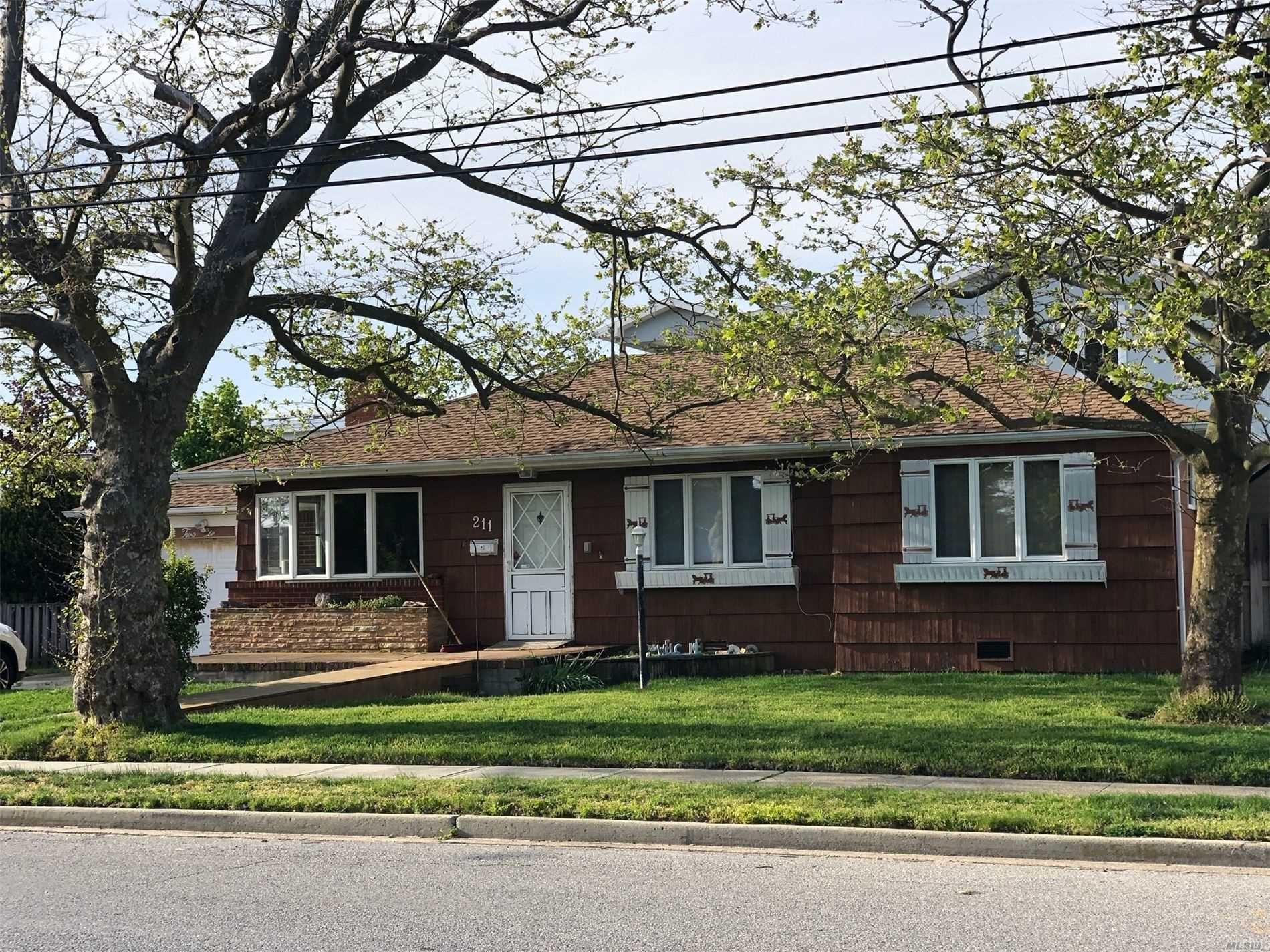 211 Sunset Ave, Island Park, NY 11558 - MLS#: 3216709