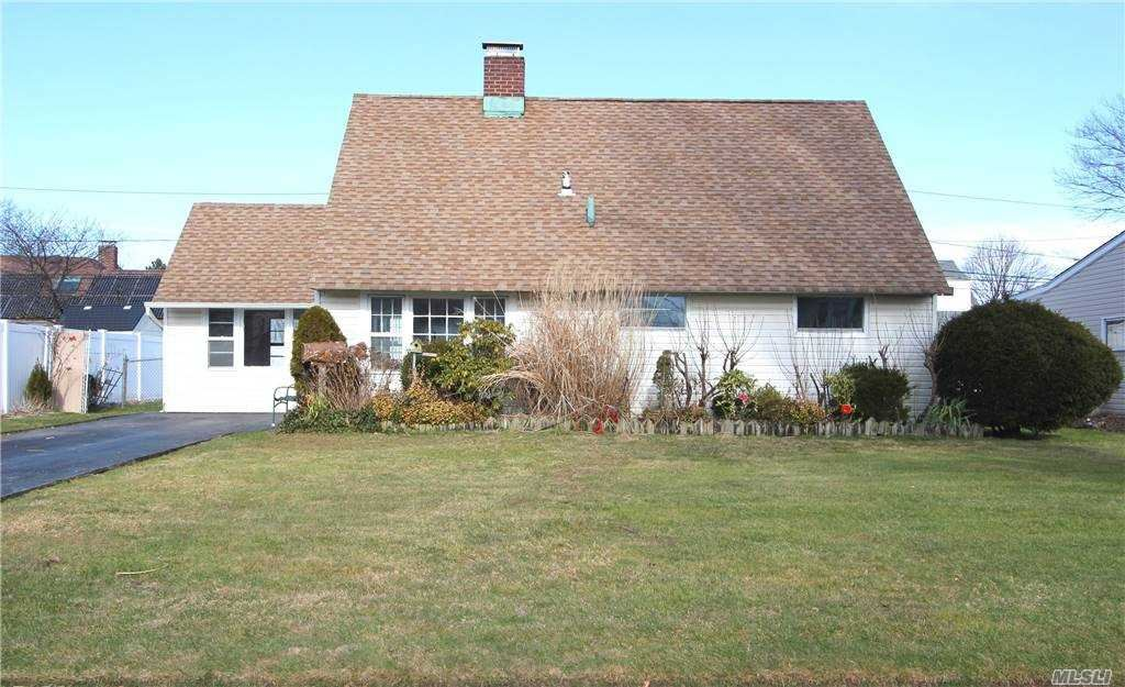 63 Meridian Rd, Levittown, NY 11756 - MLS#: 3279710
