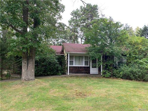 Photo of 96 Old Country Road, E. Quogue, NY 11942 (MLS # 3257711)