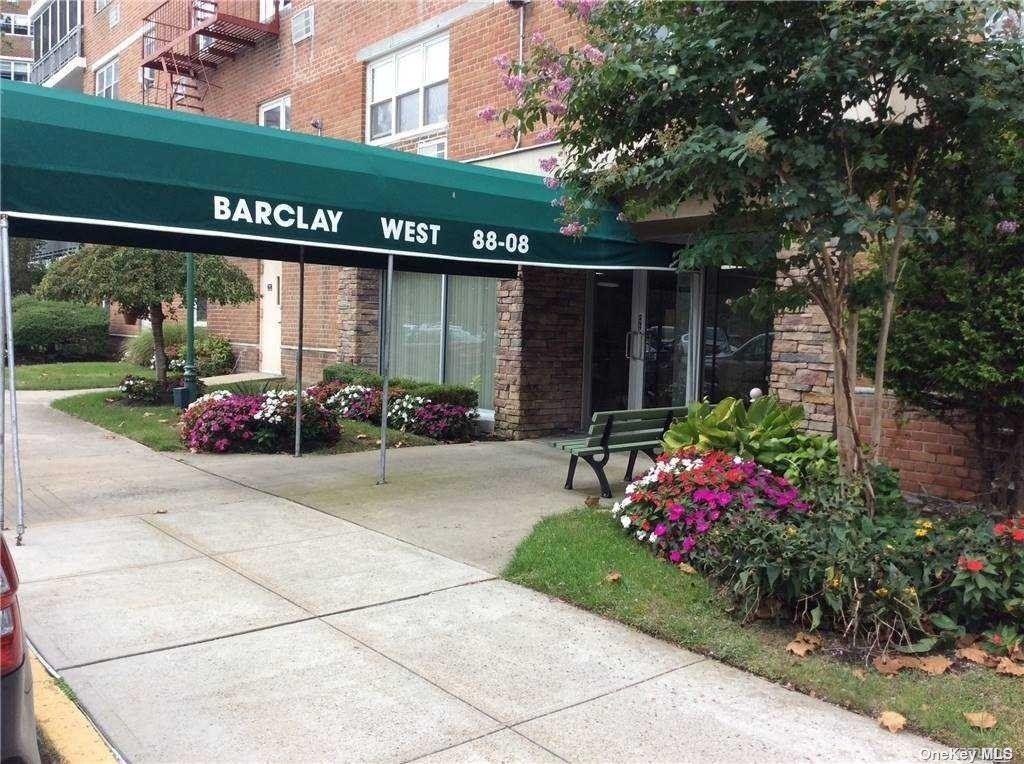 Photo of 88-08 151 Avenue #5D, Howard Beach, NY 11414 (MLS # 3354711)