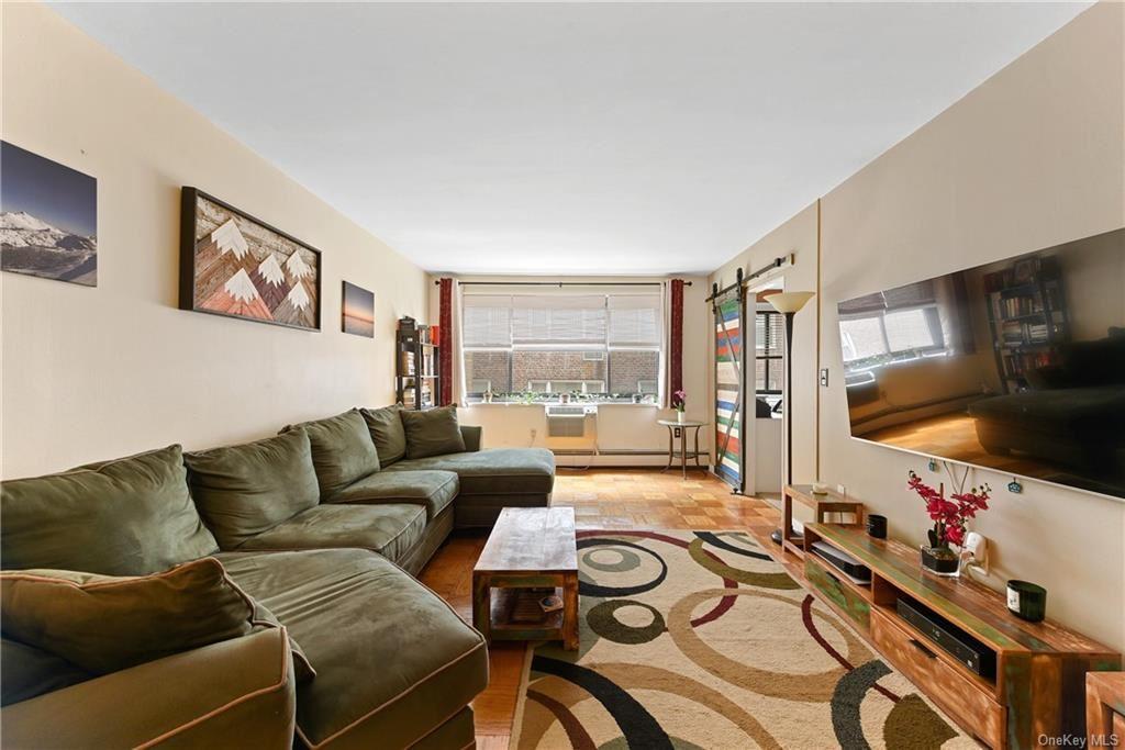 Photo of 100 E Hartsdale Avenue #4EE, Hartsdale, NY 10530 (MLS # H6113711)