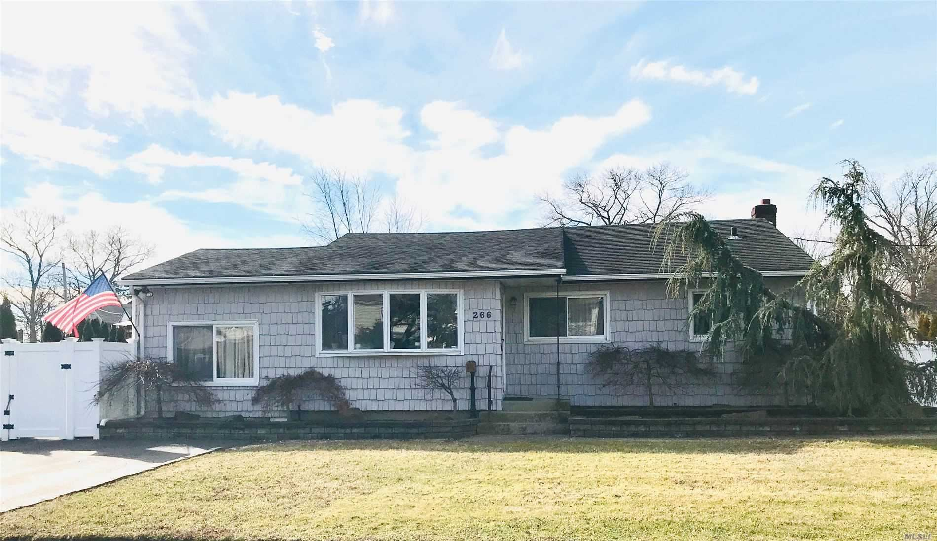266 Arnold Avenue, West Babylon, NY 11704 - MLS#: 3199713
