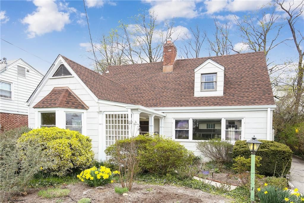 Photo of 20 Douglas Place, Eastchester, NY 10709 (MLS # H6104713)