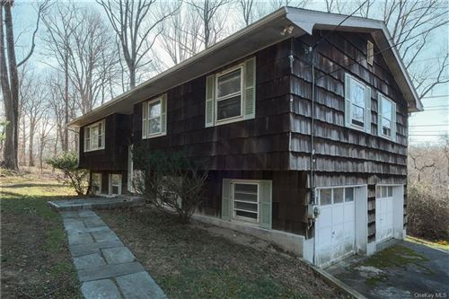 Photo of 631 Viewland Drive, Yorktown Heights, NY 10598 (MLS # H6083715)