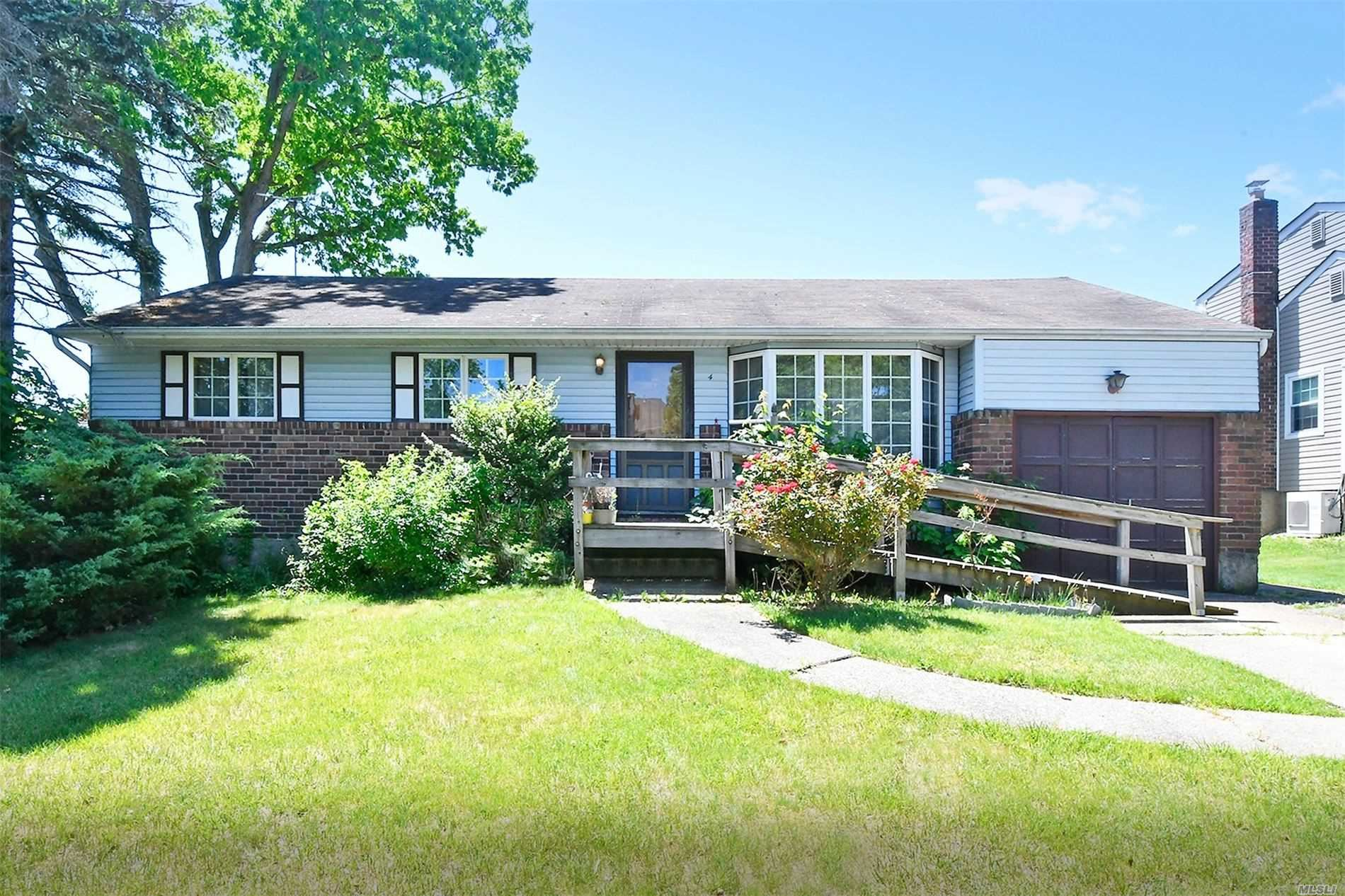 4 Sheli Dr, Old Bethpage, NY 11804 - MLS#: 3218717
