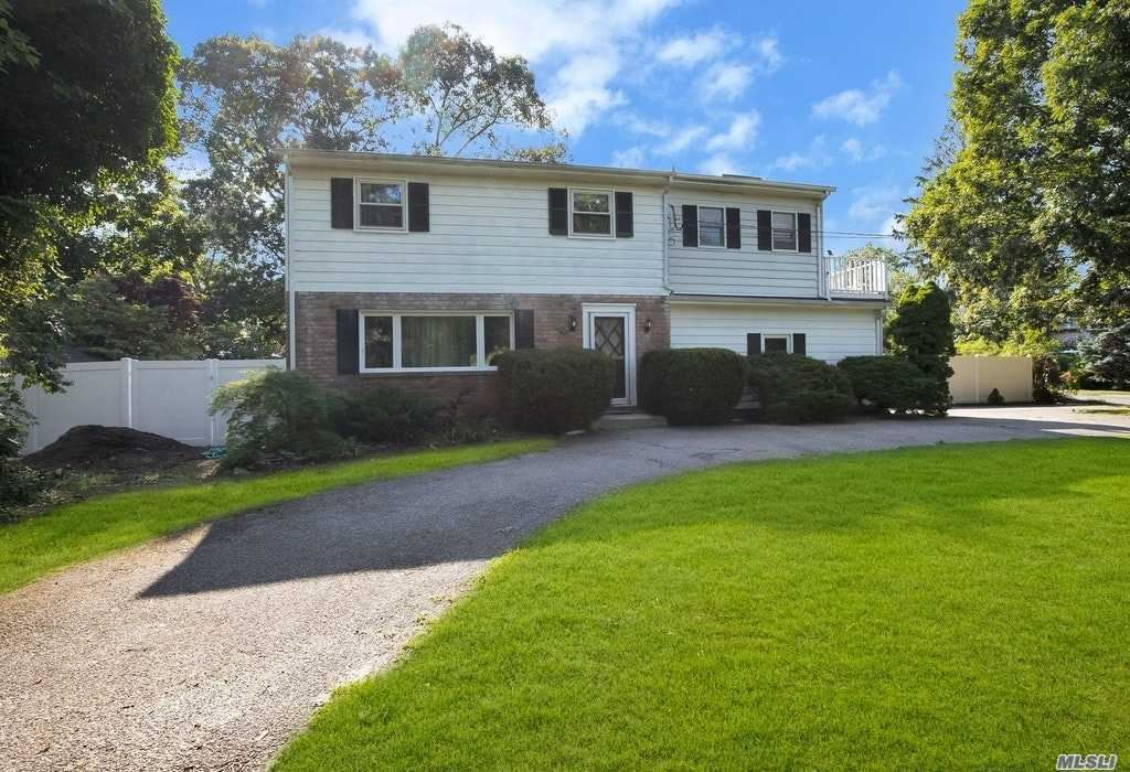 198 Idle Hour Blvd, Oakdale, NY 11769 - MLS#: 3237718