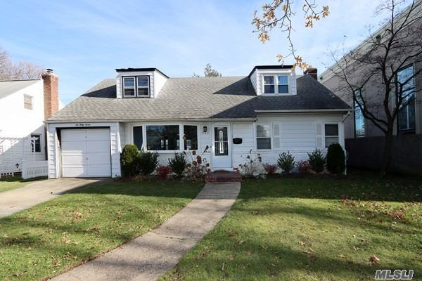 647 Dogwood Avenue, West Hempstead, NY 11552 - MLS#: 3182719