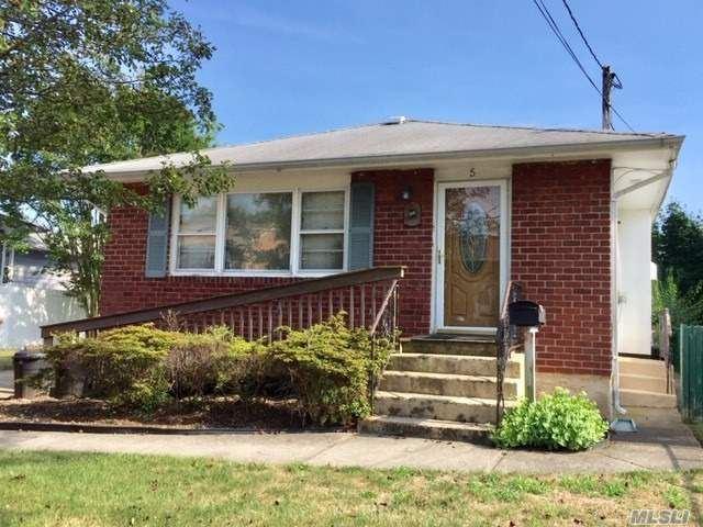 5 Genesee Street, Hicksville, NY 11801 - MLS#: 3236719