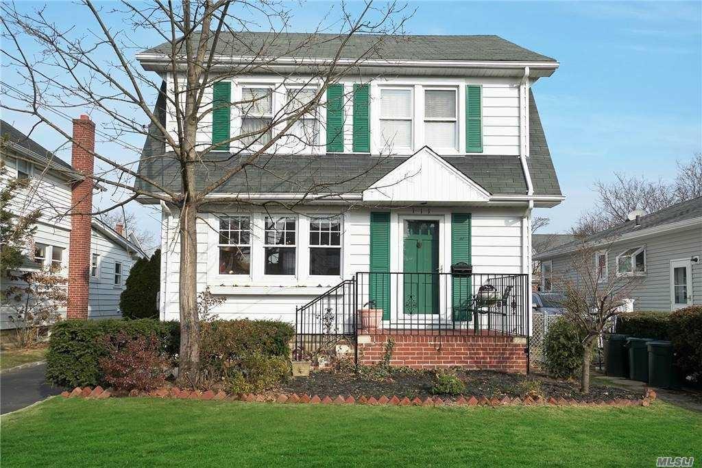 111 E Carpenter St, Valley Stream, NY 11580 - MLS#: 3280720
