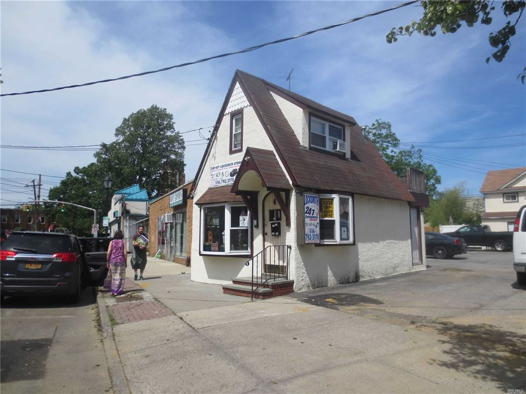 6 Centre Avenue, E. Rockaway, NY 11518 - MLS#: 3136723